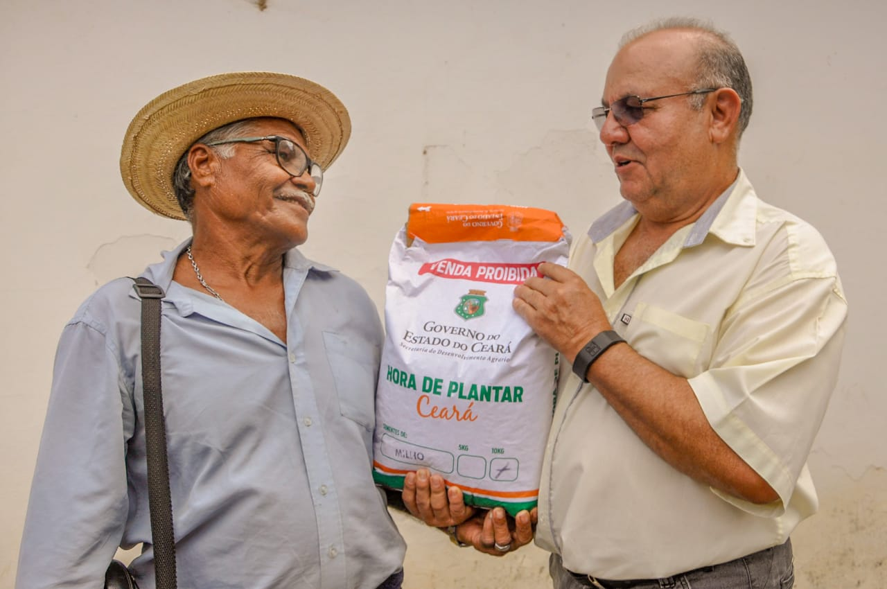 Agricultores de Canindé recebe sementes do Hora de Plantar