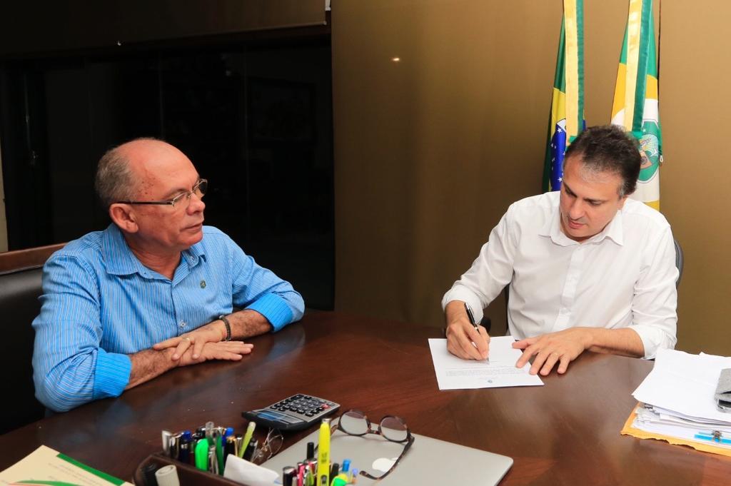 Com 263 vagas, concurso da Ematerce é homologado pelo governador