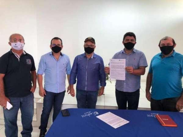 Ematerce assina convênios com prefeituras de Assaré, Antonina do Norte e Potengi